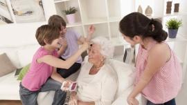 Prezenty Last Minute na Dzień Babci i Dziadka, dostępne w drogeriach Super-Phar, 2020-01-21 | 09:30, Uroda